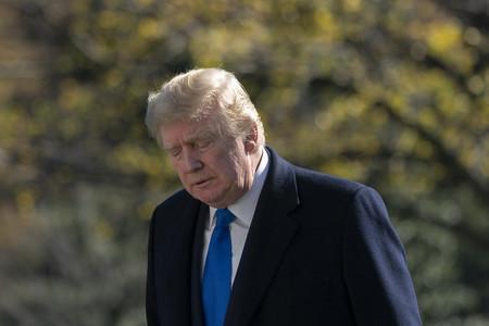 29日、感謝祭休暇を終え、ホワイトハウスに戻ったトランプ米大統領(EPA時事)