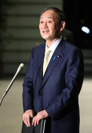 首都圏1都3県の緊急事態宣言について、2週間程度延長する方針を表明する菅義偉首相=3日午後、首相官邸