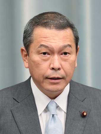 国家公安委員長の小此木八郎氏